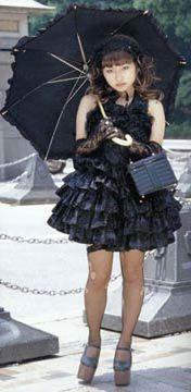 Lolitas (Sweet, Gothic, Elegant, Punk, Industrial...) 2002_07_gothiclolita_ss_7